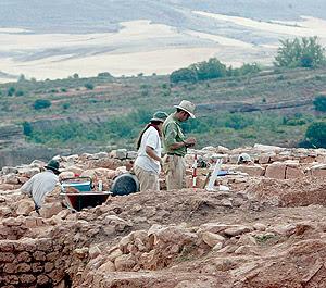 Trabajos de excavación en los yacimientos sorianos de Tiermes. | Ical