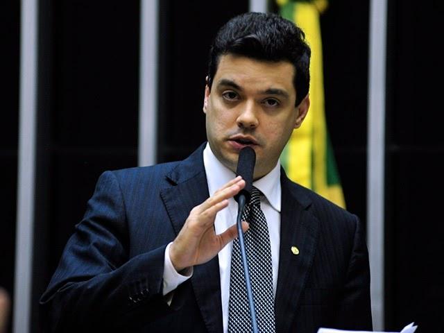 Walter Alves solicita reabertura das agências do BB fechadas no RN