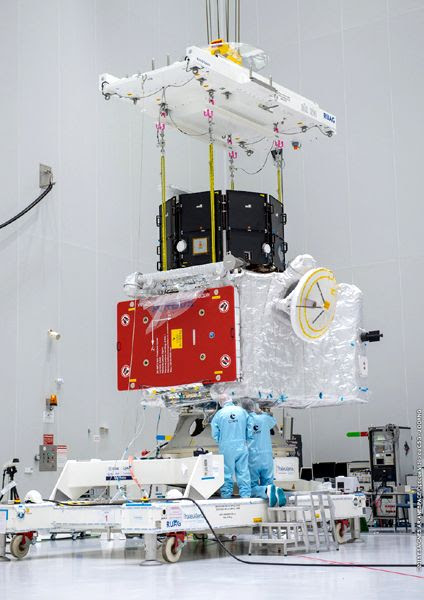 Japan's Mercury Magnetospheric Orbiter (or 'MIO,' top) and Europe's Mercury Planetary Orbiter (MPO, bottom) are stacked together at Europe's Spaceport in Kourou, French Guiana.