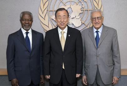 Kofi Annan, Ban Ki-moon e Lakhdar Brahimi (UN Photo/Devra Berkowitz)