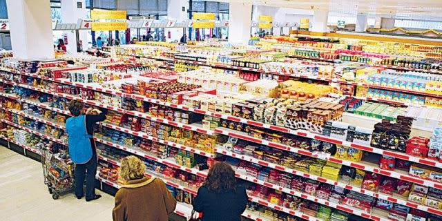 Πτώση τιμών κατά 30% στα τρόφιμα