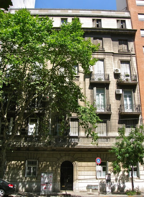 Today we bought a new home in New York . So I am showing you my old home .. ( our Argentine home) .. I loved that place !
