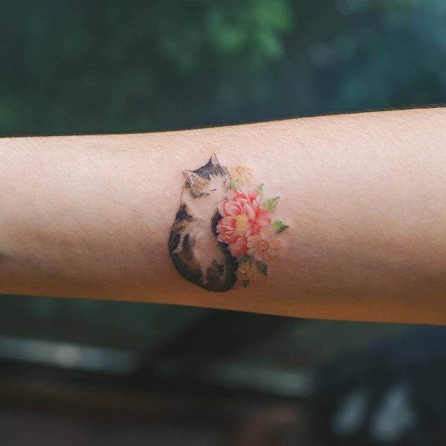 c524ac480 110 Cute And Tiny Tattoos For Girls Designs Meanings 2018