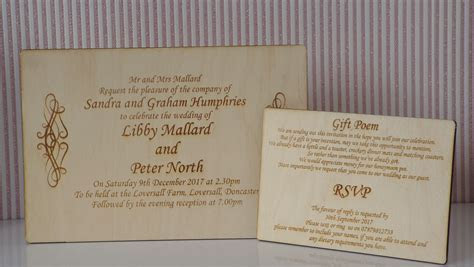 20x Wooden Engraved Rustic Wedding Invitation with Gift