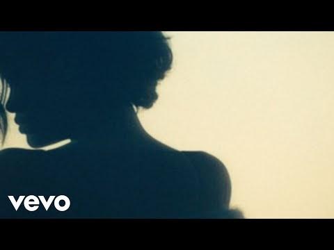diamonds, il nuovo video di rihanna