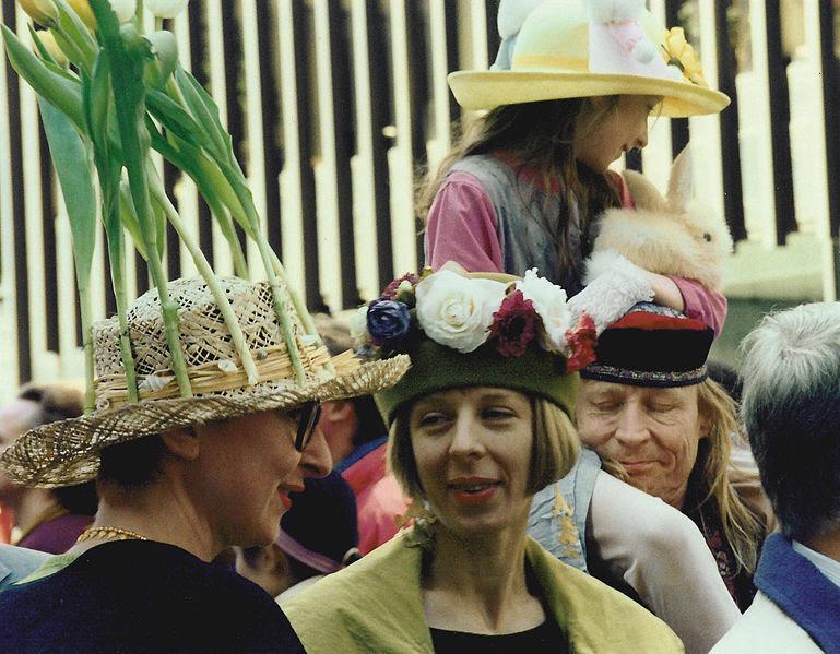 File:Easter Parade 1995 - 02.jpg