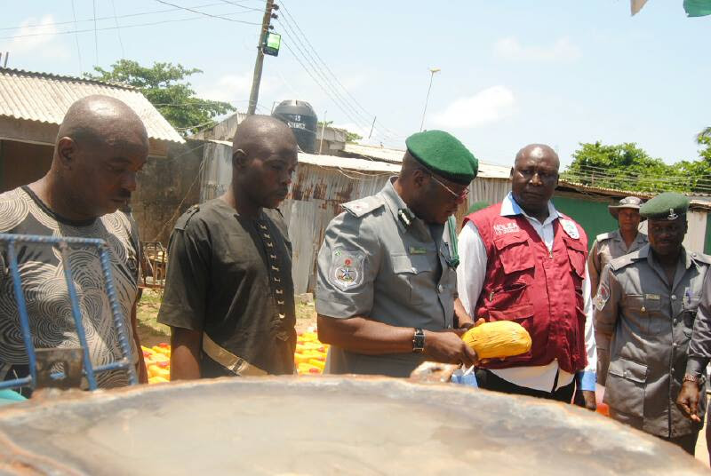 Men Who Hid Drugs In Crayfish Arrested Customs And Handed Over To NDLEA. Photos