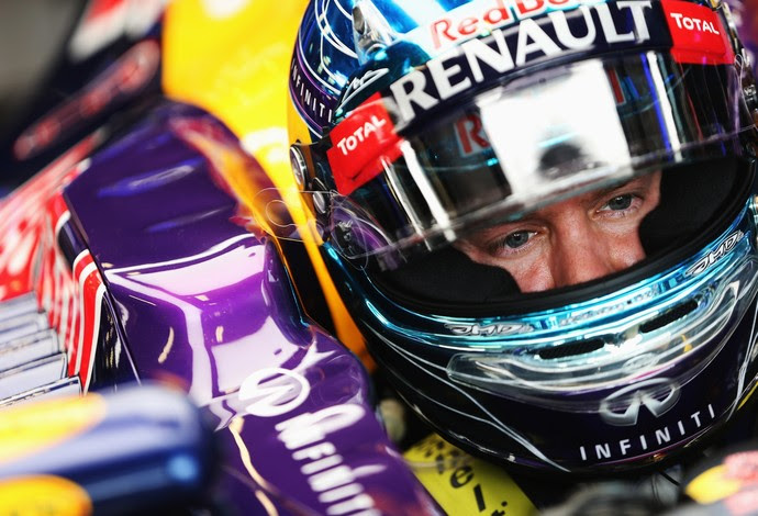 Sebastian Vettel não teve a mesma sorte do companheiro de equipe e abandonou prova na quinta volta  (Foto: Getty Images)