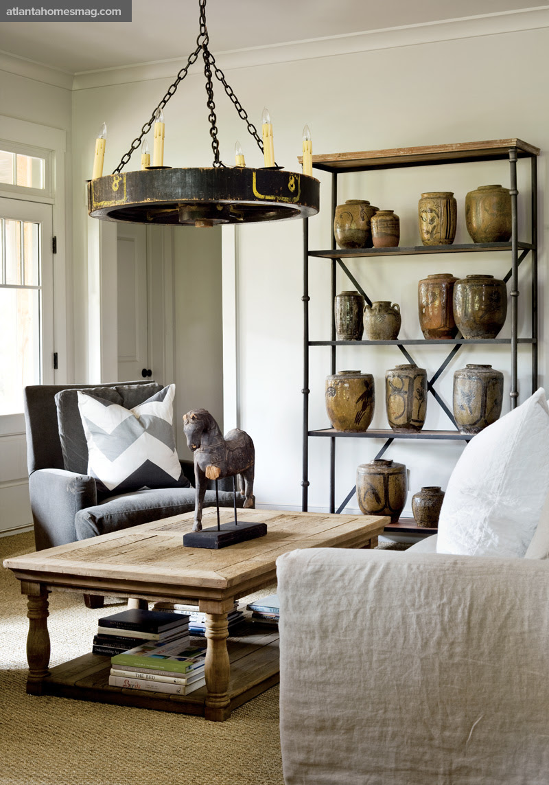 http://atlantahomesmag.com/wp-content/uploads/2015/07/living-room/110804_foxhall_006.jpg
