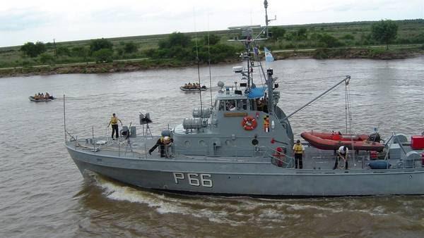 Ayuda de la Armada a los inundados