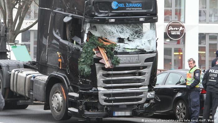 Deustchland | Anschlag mit LKW auf Weihnachtsmarkt in Berlin (picture-alliance/rtn-radio tele nord rtn/P. Wuest)