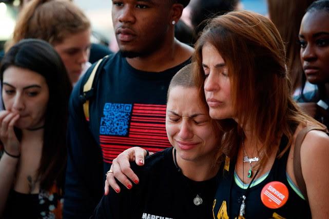 Emma Gonzales, survivante de la fusillade à l'école... (PHOTO JIM YOUNG, AGENCE FRANCE-PRESSE)