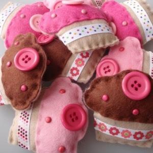 felt cup cakes
