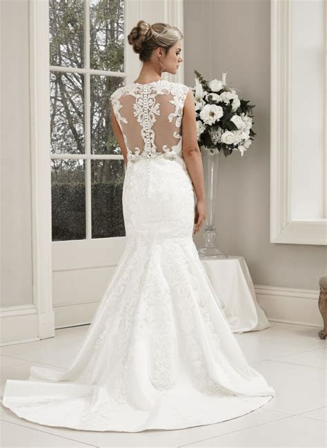 Wedding Dresses in WEST YORKSHIRE MIRFILED