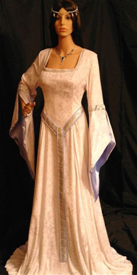 Medieval Wedding Dresses www.disfracesgamar.com Vestidos