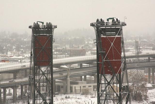 snow, hawthorne bridge