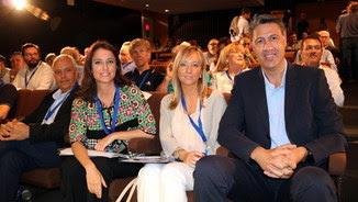 Albiol amb la nova dirigent a Lleida, Marisa Xandri i Andrea Levy A Lleida (ACN)