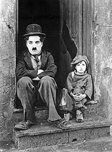 http://upload.wikimedia.org/wikipedia/commons/thumb/6/6e/Chaplin_The_Kid.jpg/220px-Chaplin_The_Kid.jpg