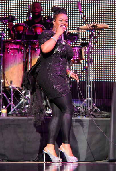 Jill Scott Weight Loss sexy tights stilettos on stage appearance