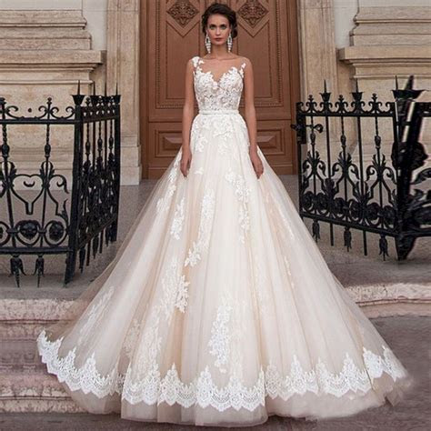 Most Beautiful Wedding Dress Design ? OOSILE