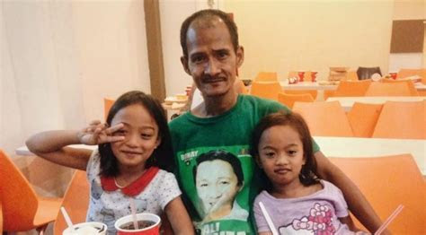 Filipino Father Melts Hearts for Why He Takes His Kids to