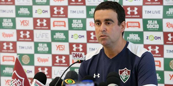 ba4919d63b Fábio Moreno se apresenta e ...