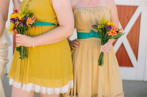 Loose Shoelaces: Cheapest Wedding Bouquets EVER