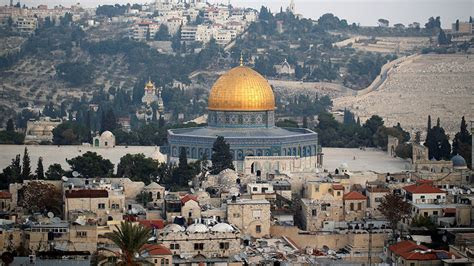 trump ignores warnings formally recognizes jerusalem