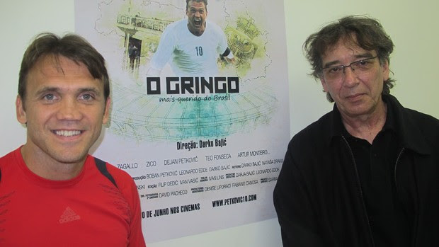 Petkovic ao lado do diretor do filme o gringo (Foto: Richard Souza / Globoesporte.com)