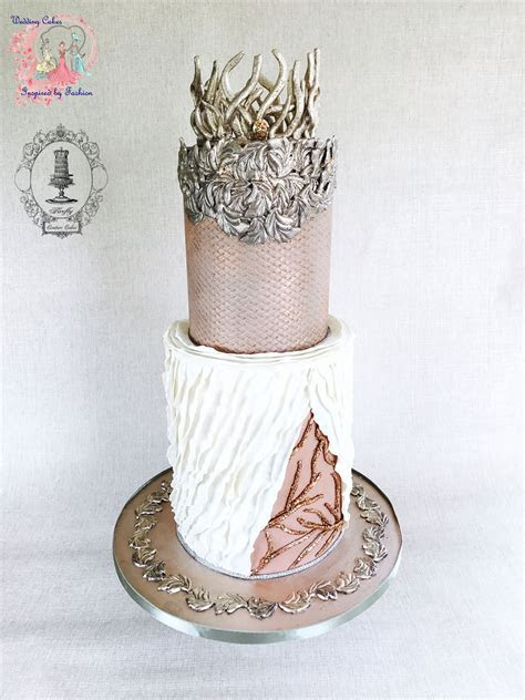 Wedding Cakes Inspired by Barbie Fashion   Satin Ice