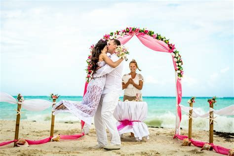 Symbolic Wedding Ceremony and Vows Renewal in Dominican