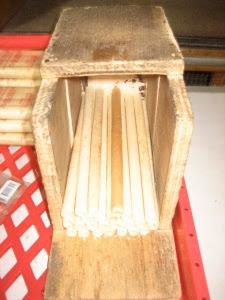 ขนมชนิดหนึ่ง ทําด้วยแป้งประสมกับกะทิและไข่ เทราด ลงในพิมพ์ซึ่งมักมีลักษณะกลมให้เป็นแผ่นบาง ๆ ผิงไฟให้สุก แล้วม้วนเป็นหลอด, ถ้าพับเป็นชิ้น เรียก ทองพับ, มีทั้งอย่าง รสเค็มและรสหวาน