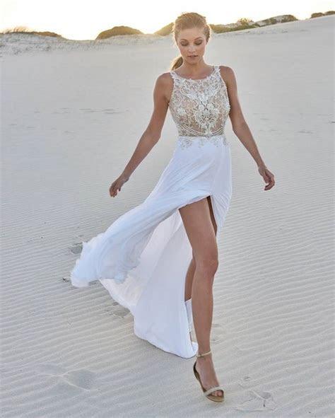 Modern wedding dresses   The best ideas for a beach