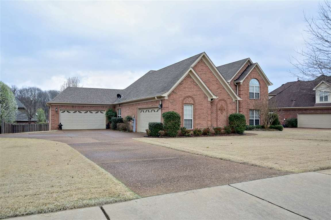 8988 Brunswick Farms Dr Bartlett, TN  For Sale $289,900  Homes.com