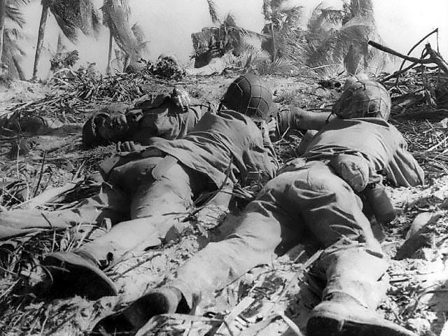 US Marines pinned down by Japanese fire, Eniwetok, Marshall Islands, 17-21 Feb 1944