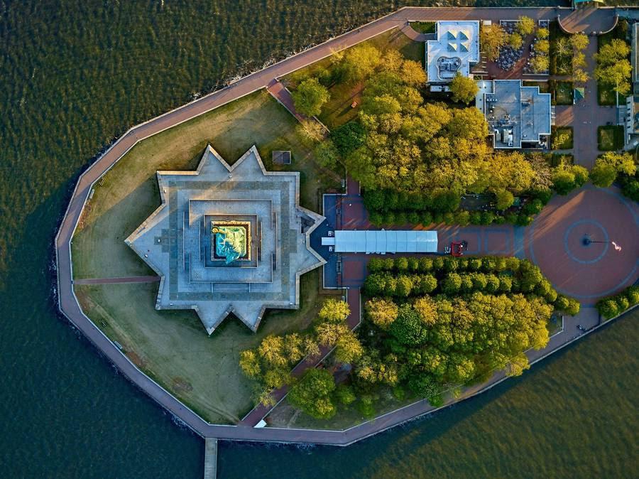 La Liberté éclairant le monde (Statue of Liberty), Liberty Island, New York.