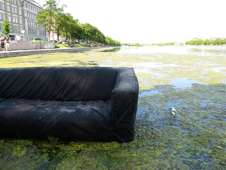 Floating couch
