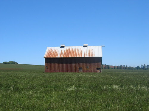 Barn on Howell Prairie Rd
