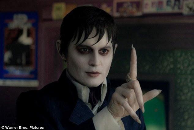 Vestir-se novamente: Johnny Depp colabora com Tim Burton para jogar vampiro Barnabé Collins sombras no horror gótico-conto das Trevas