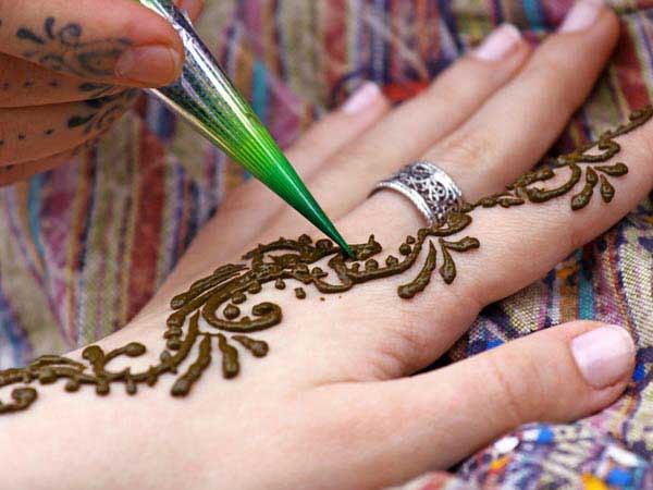 how darken the colour mehendi