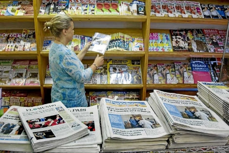 Tienda de prensa y revistas. | Santi Cogolludo