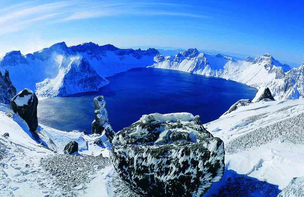 perierga.gr - Μαγευτική λίμνη στην κορυφή του βουνού!
