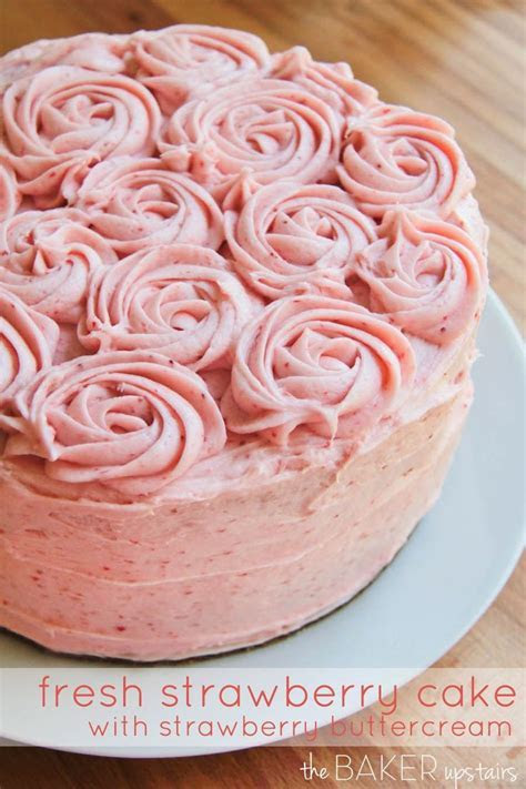 25  best ideas about Fresh Strawberry Cake on Pinterest