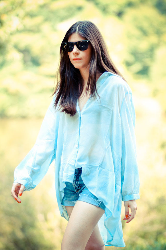 Stylestalker Mulholland Shirt Blouse, Converse All Star Chuck Taylor Lo Top, Cut Offs, Fashion Outfit, Ray Ban Wayfarer sunglasses
