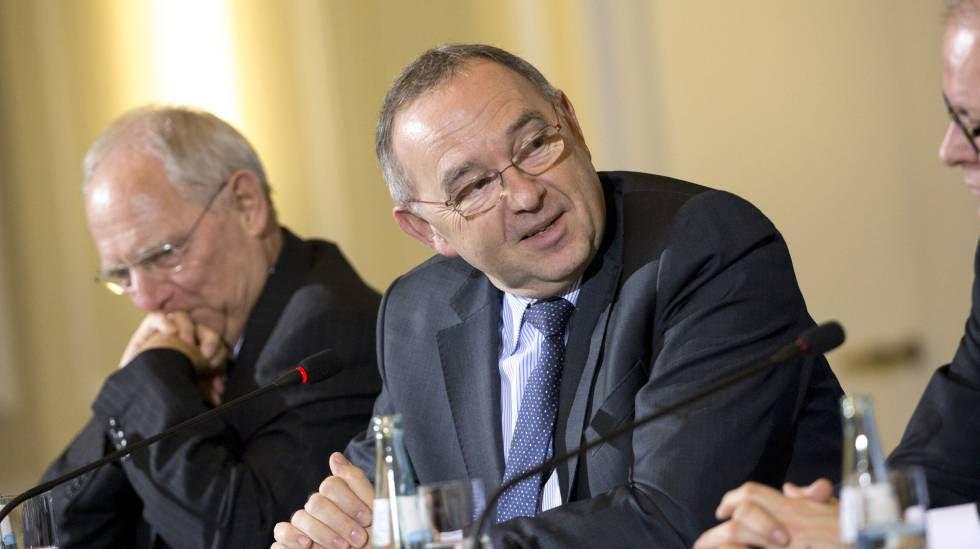 Norbert Walter-Borjans, ministro de Finanzas de Renania (derecha), junto a Wolgang Schaüble, ministro de Finanzas de Alemania.