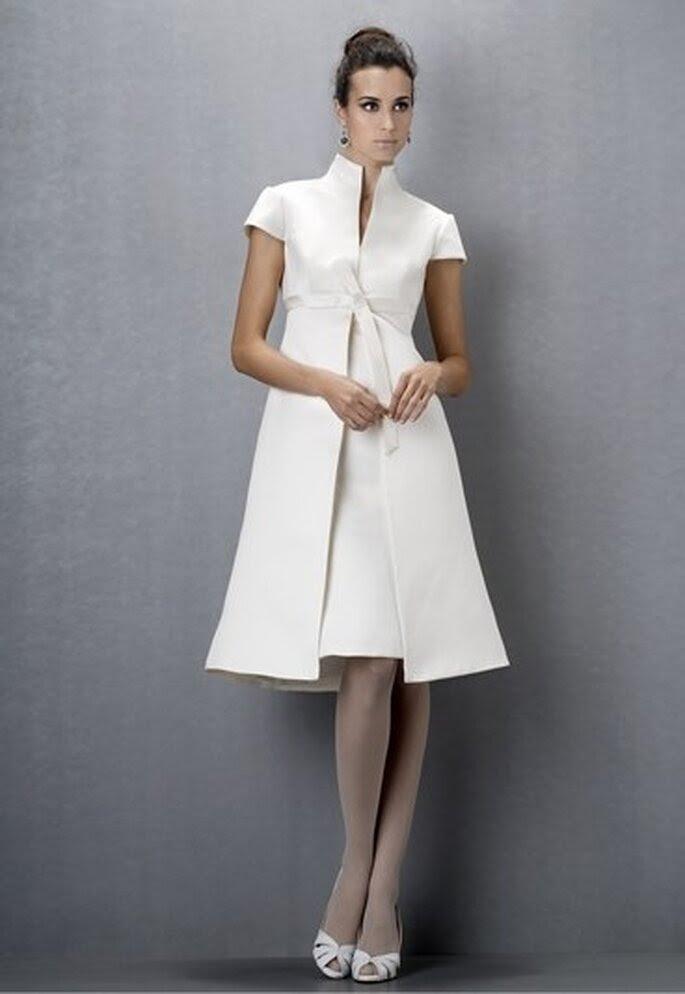 Vestido de novia corto clasico