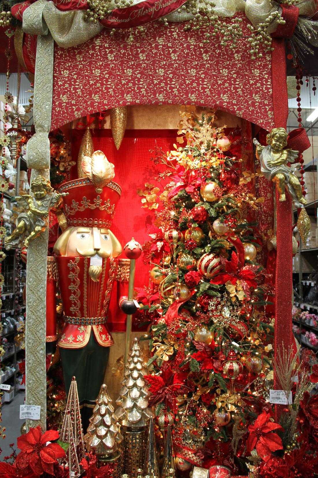Christmas Splendor Shinoda Design Center