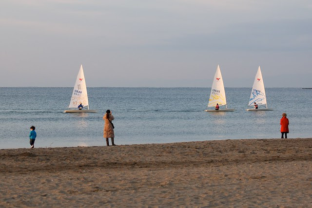 3 ships sailing by