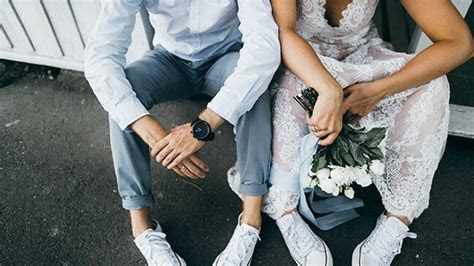 How Much Does an (Average) Wedding Cost?   Money Under 30