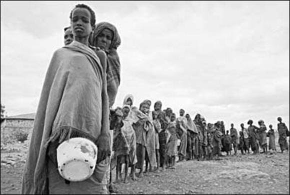 http://al.godsdirectcontact.org/your_food/images/somalian-famine-victims.jpg